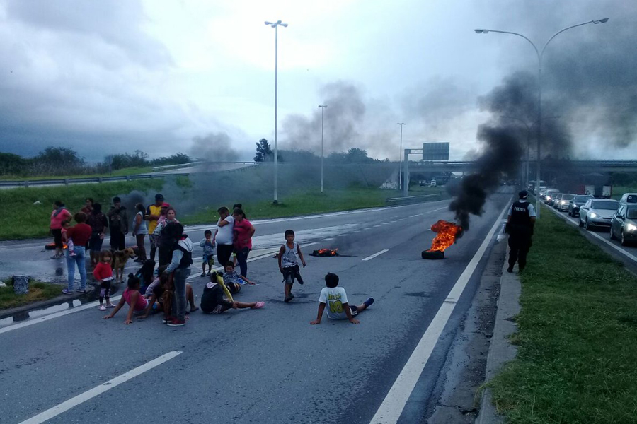 Caos en autopista: Ayer hubo una protesta social y el tránsito fue imposible