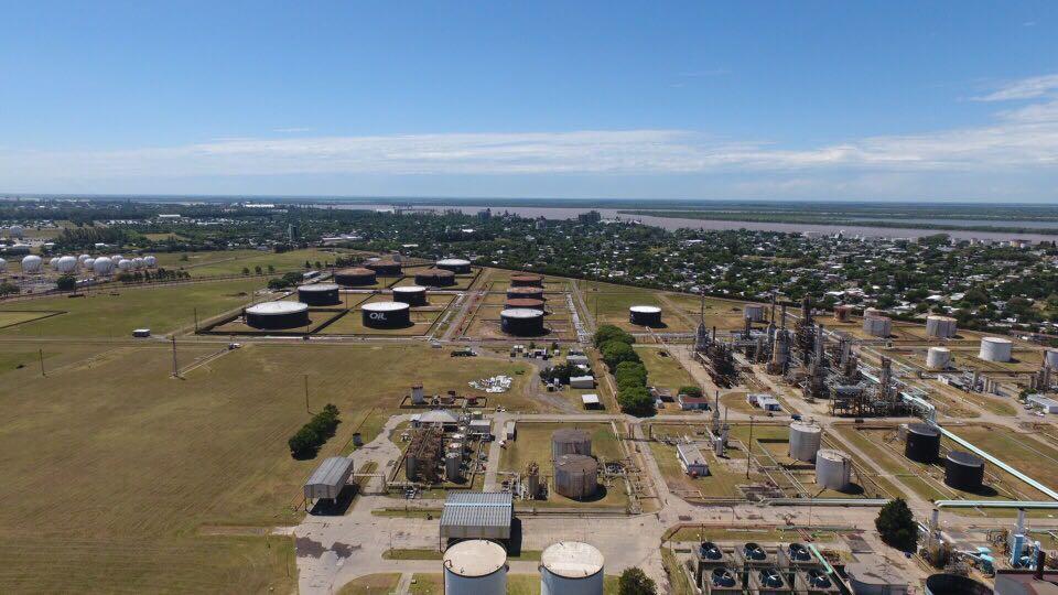 El Ministerio de Trabajo intimó a Oil Combustibles que mantenga 96 empleados para garantizar la seguridad de la refinería